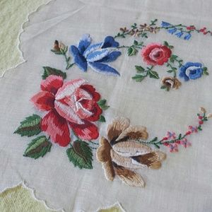 1950s embroidered vintage kerchief